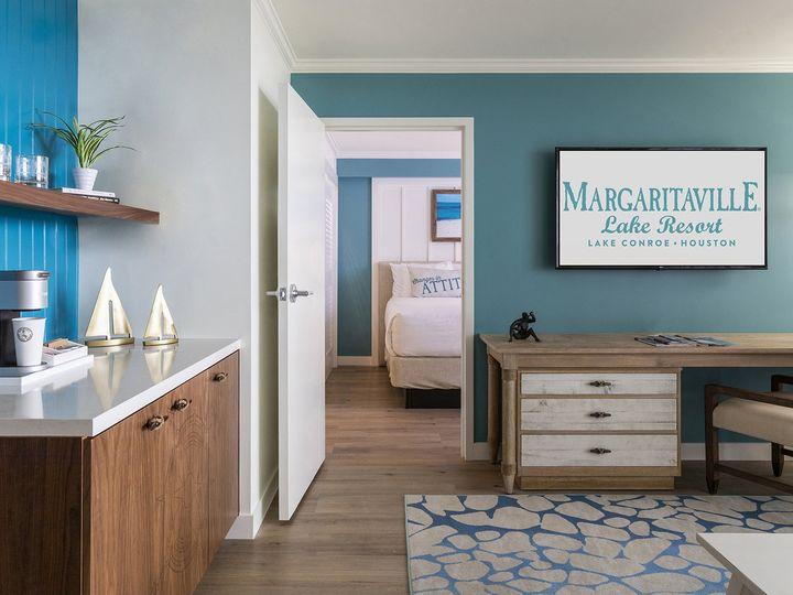 Tmx 04 Guest Suite Living Area 03 51 374345 160582200069760 Montgomery, TX wedding venue