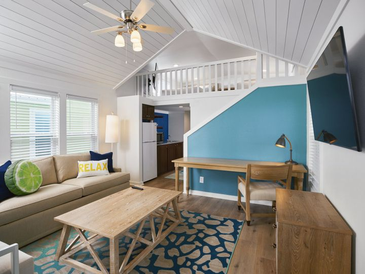 Tmx 04 Lake Cottage With Loft Living Room 51 374345 160582182253311 Montgomery, TX wedding venue