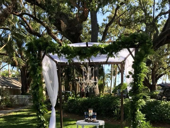 Tmx 1527869202 Dcf4177790f8b231 1527869201 04f447fa7b09d16d 1527869198496 7 B1 Fort Myers wedding florist