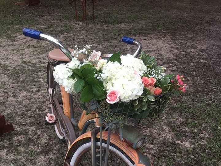 Tmx 1527869206 D5f1a1c30ac3d572 1527869205 Cff7e257cc73a535 1527869198526 17 B11 Fort Myers wedding florist