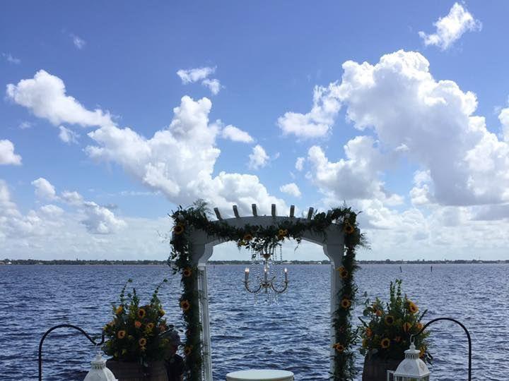 Tmx 1527869208 A235567115dcbc5d 1527869206 306130d69bf3f1f3 1527869198548 23 B20 Fort Myers wedding florist