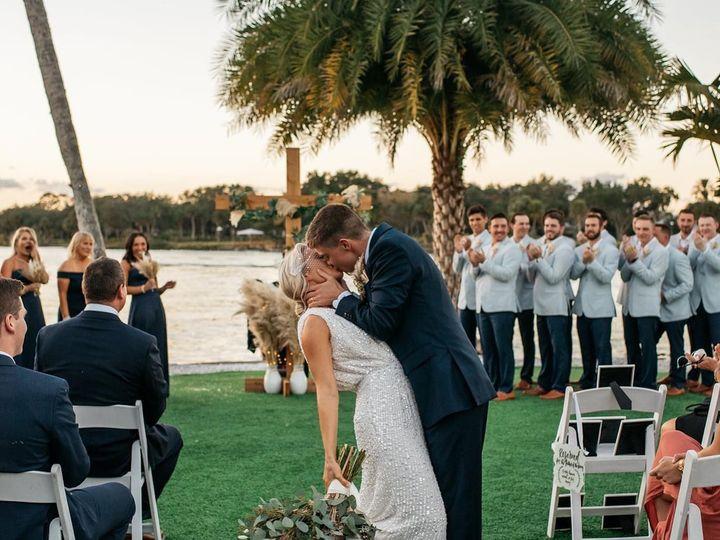 Tmx 1 51 608345 160795542789891 Fort Myers, FL wedding florist
