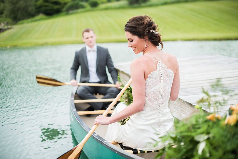 adirondack canoe barn wedding styled shoot 19 51 409345