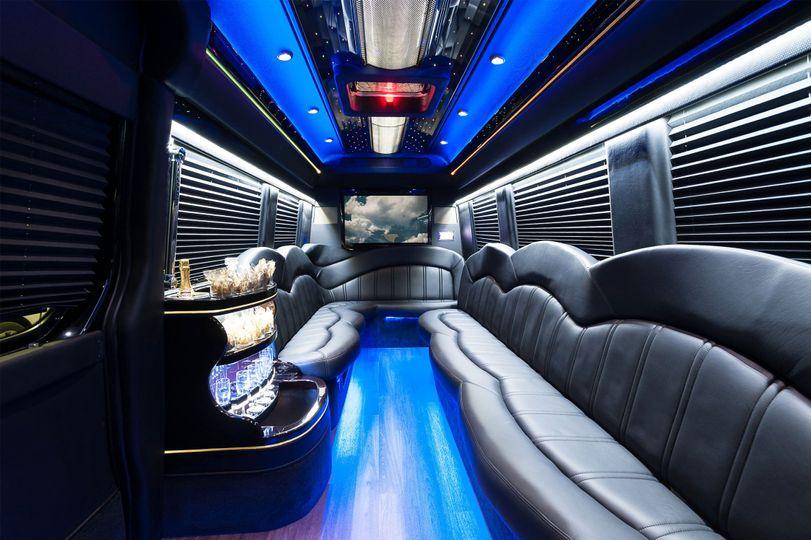 c59af9b0e5c050fa 1436637270711 sprinter limo interior 2