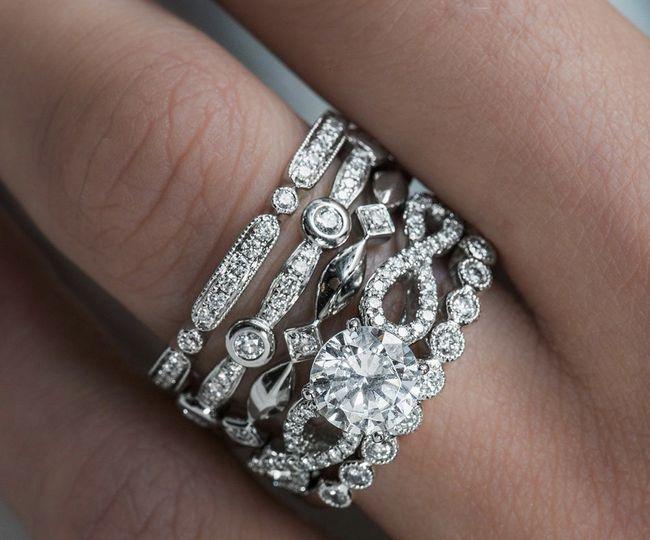 Stackable bridal set