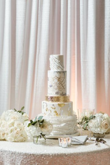 Mixed Metallics Wedding Cake