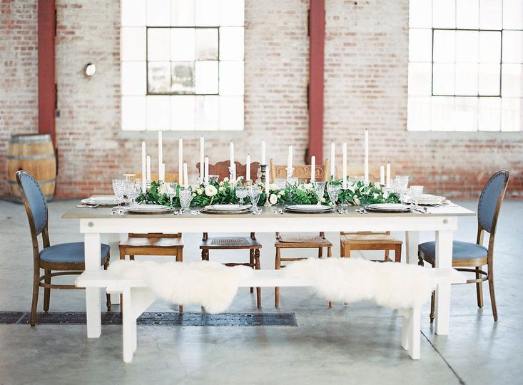 Tin Roof Farmhouse {BOUTIQUE RENTALS}