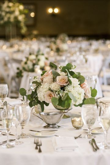 Centerpiece with roses