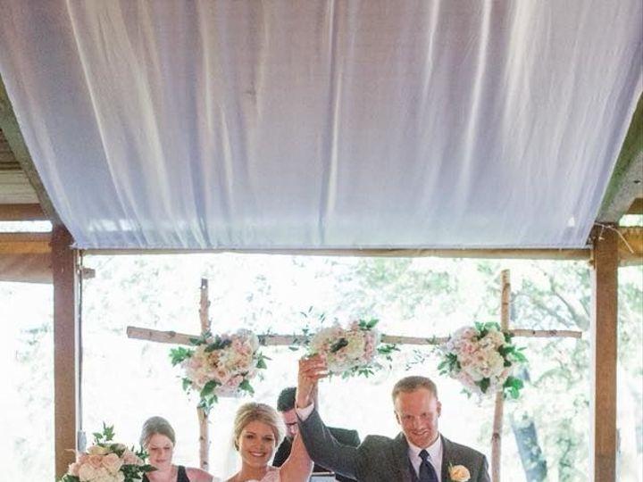 Tmx 1517590338 082b102b46f6dbd1 1517590337 Fe44fbb3dbfb694e 1517590336264 16 26169713 84003614 Lake Geneva, WI wedding florist