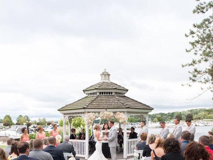 Tmx 1517590937 48654bddab62004d 1517590936 930d8344ac66f485 1517590935871 20 15977683 66083616 Lake Geneva, WI wedding florist