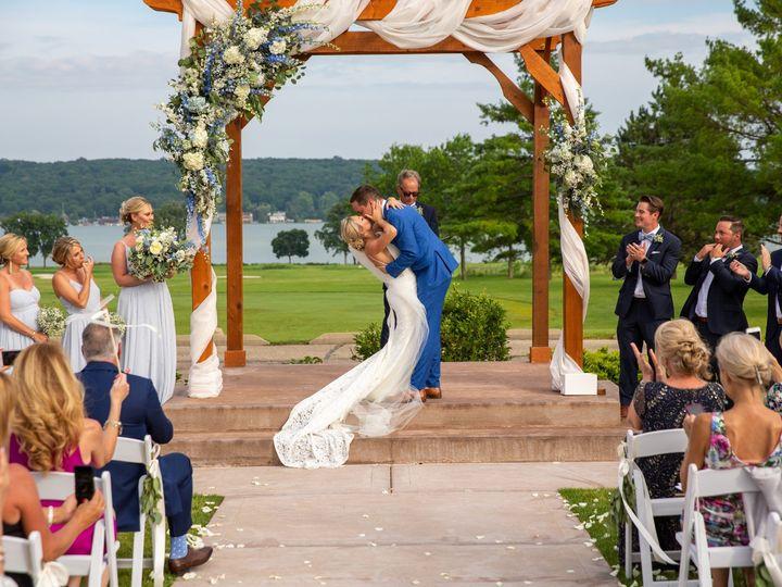 Tmx Amanda And Zach 729 51 137445 1571757277 Lake Geneva, WI wedding florist
