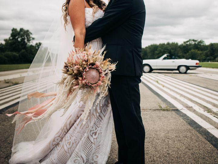 Tmx Dsc 1748 51 137445 1571759625 Lake Geneva, WI wedding florist