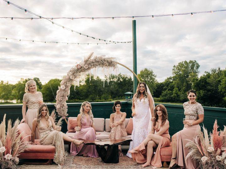 Tmx Dsc 3490 51 137445 1571759768 Lake Geneva, WI wedding florist