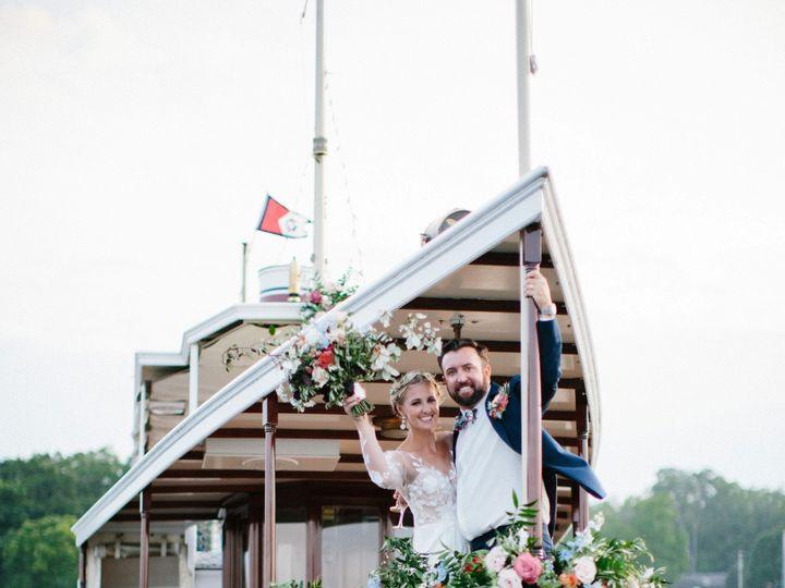 Tmx Gagestyledwedding2019 312 51 137445 1571758374 Lake Geneva, WI wedding florist