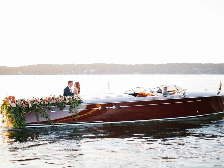 Tmx Kristinalorrainephotographywibride2018 150 51 137445 1571757601 Lake Geneva, WI wedding florist