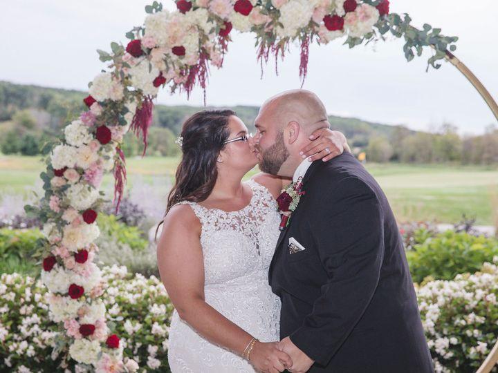 Tmx Mmp 1001 X2 51 137445 Lake Geneva, WI wedding florist