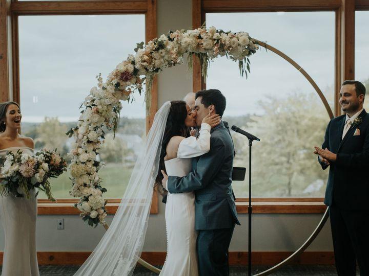 Tmx Redd1098 51 137445 Lake Geneva, WI wedding florist