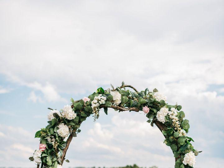 Tmx Bobbiaaronwfinal 426 51 1087445 157997103233333 Milwaukee, WI wedding florist