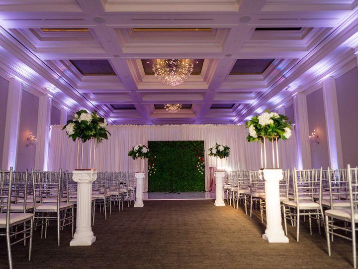 Tmx Versano 620 51 1087445 157997115368688 Milwaukee, WI wedding florist