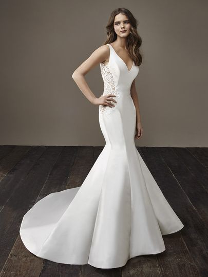 33254d1d0b13 Badgley Mischka Bride Beth