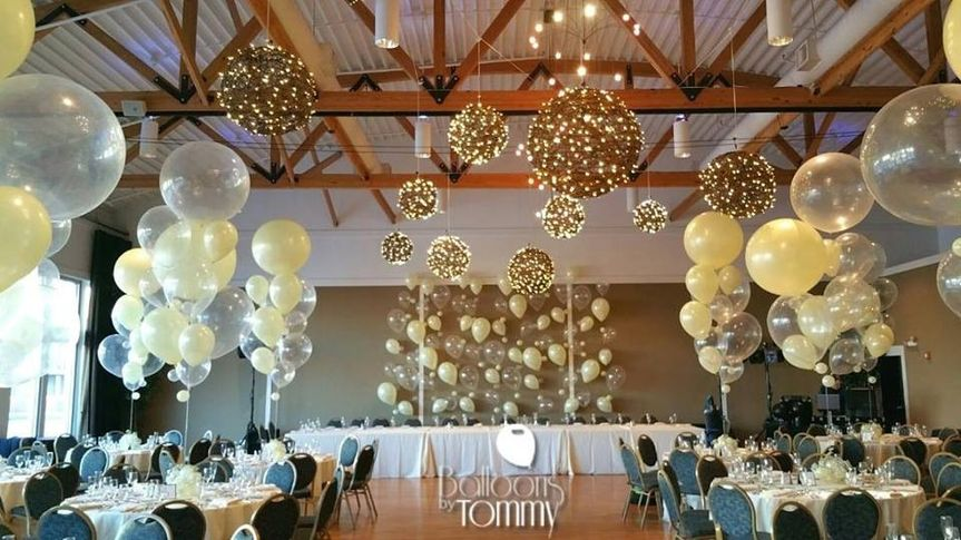 Balloons by tommy lighting decor chicago il for Balloon decoration chicago