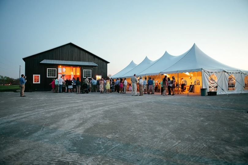 STF barn with tent rental