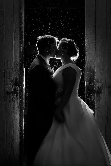 Even rainy days are magical at An Affair by the Lake!  Raindrops create a mesmerizing illusion in...