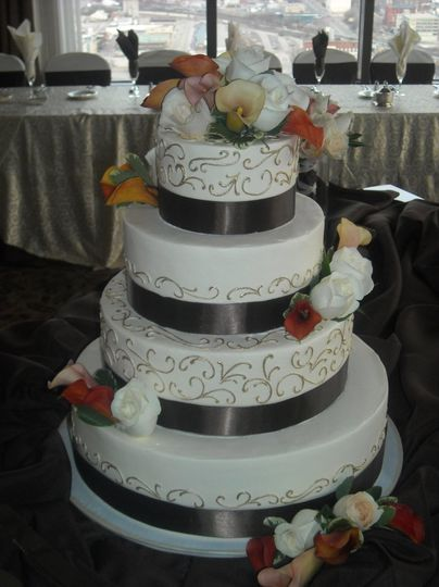 wedding cakes cincinnati oh the cakery wedding cake dayton oh weddingwire 24077