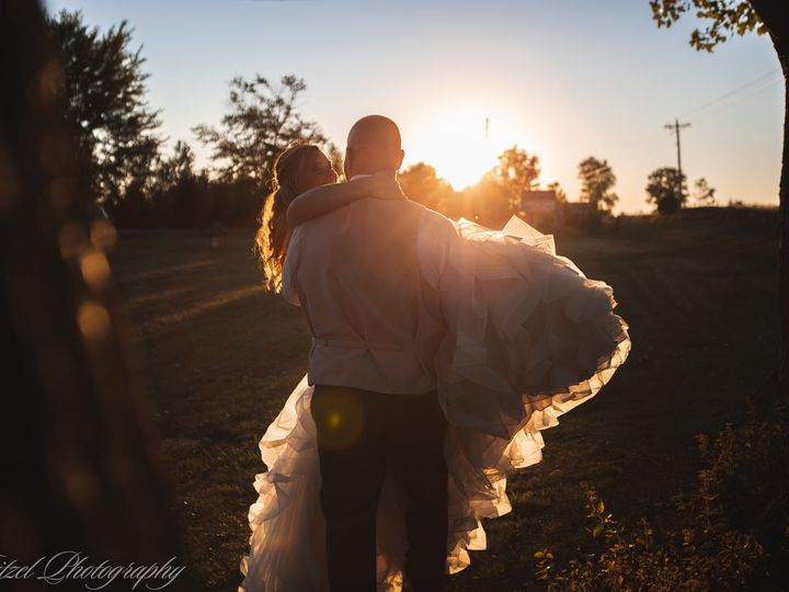 Tmx 119985990 3685613288136650 2100519910152418689 O 51 1982645 160381415891546 Fort Wayne, IN wedding videography