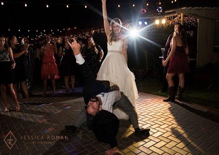 a62bd18f5ccb46a5 riptide modern weddings gary leslie jessica roman