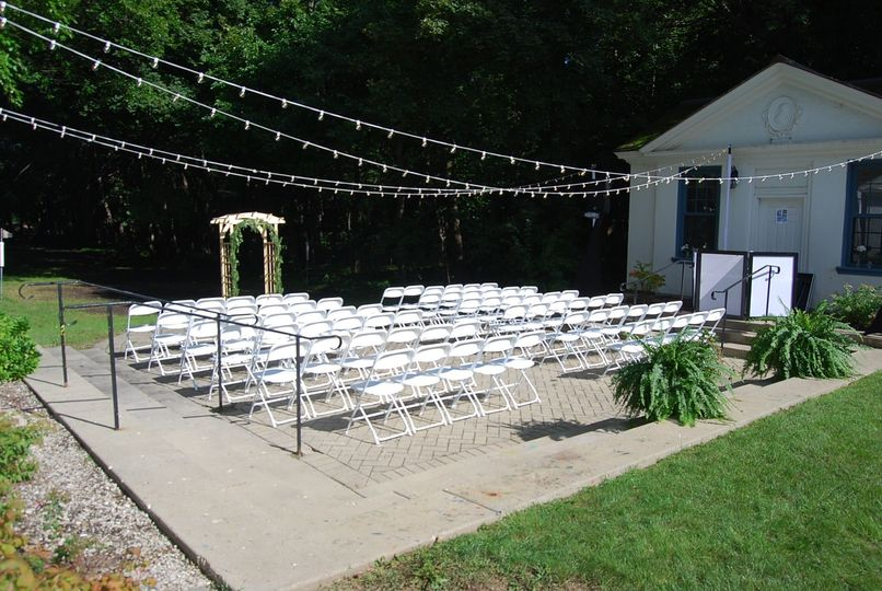 Outdoor weddings at The Garden Studios.