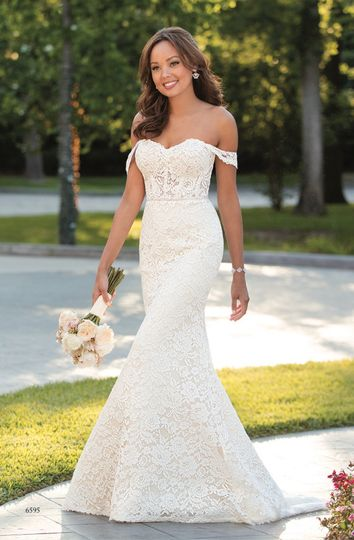 Off-shoulder mermaid tail gown