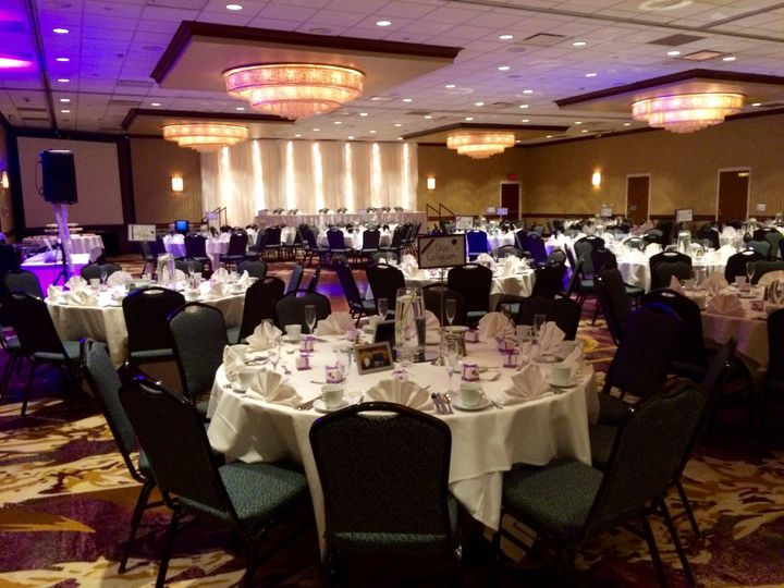 West Des Moines Marriott Weddings - Unveil