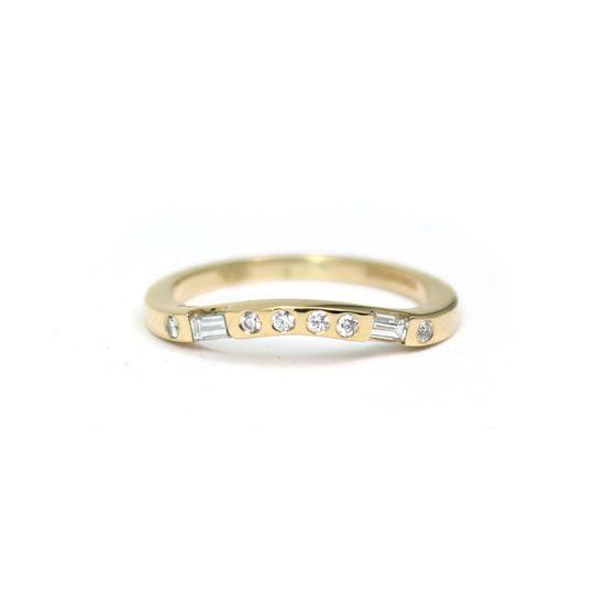 Curved diamond band