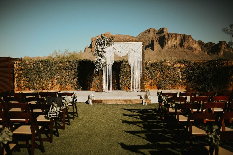 Outdoor venue| Kayla Fisher Photography