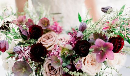 Sophisticated Floral Designs {Weddings + Events} 1