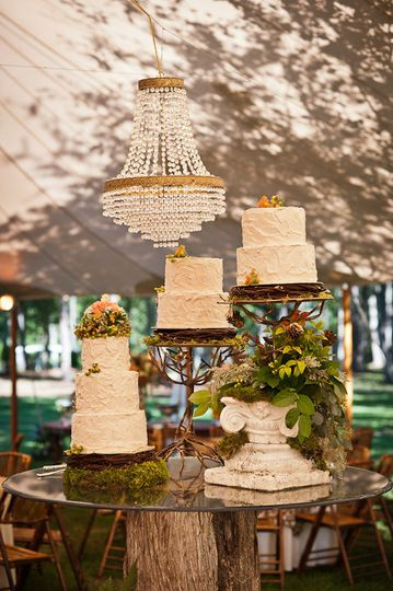 Wedding Cake provided by The Desserterie