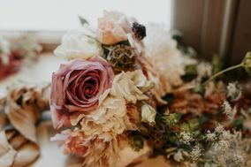 The Uprooted florist