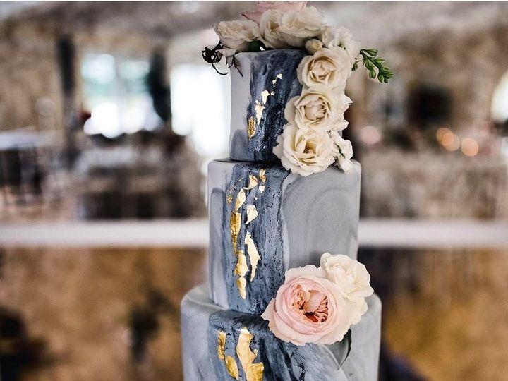 Tmx Gold Leaf On A Grey Marbed Wedding Cake With Fresh Flowers 51 8845 158482496628256 Littleton, Colorado wedding cake