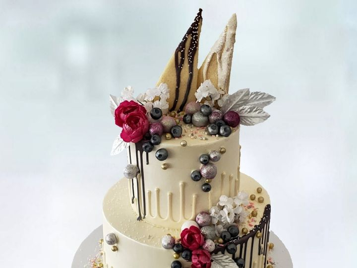 Tmx Gravity Defying Drip Cake 51 8845 158482496197060 Littleton, Colorado wedding cake