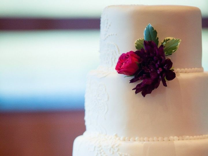 Tmx Randolph Sauer Sarah Roshan Wedding Photographer Brookejohn0386 Big 51 8845 158482448940516 Littleton, Colorado wedding cake