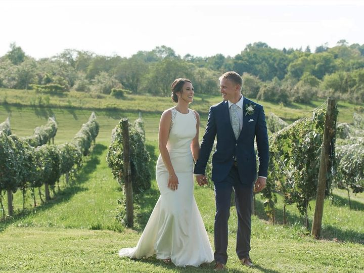 Tmx Jackie And Aaron In The Vines 51 1961945 159819984240914 Victoria, MN wedding planner