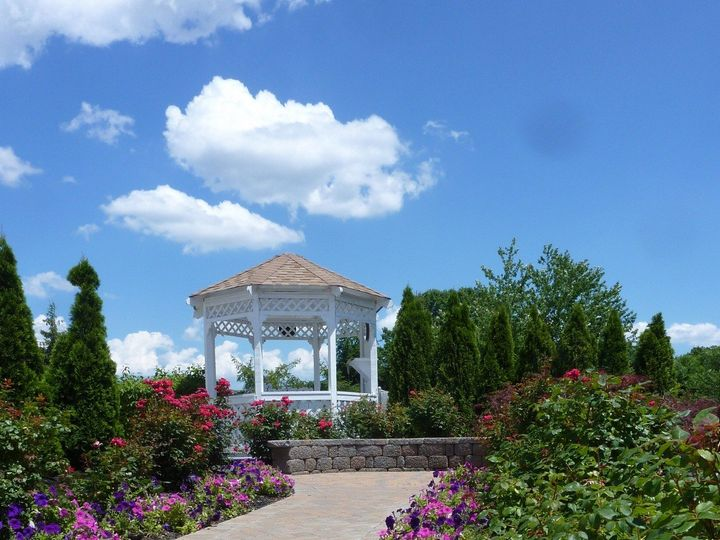 Tmx 2012 06 25 Rtr Veranda And Gazebo Employee 02 51 2945 159182077285005 Toms River, NJ wedding venue
