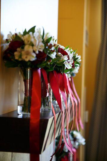 b5ebb4b8127bfc8b Flowers lined up