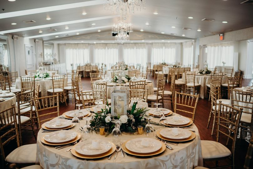 Elegant table scapes