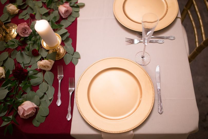 Flatware, china and decor