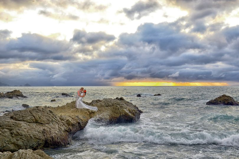 Trash the dress photo shooting