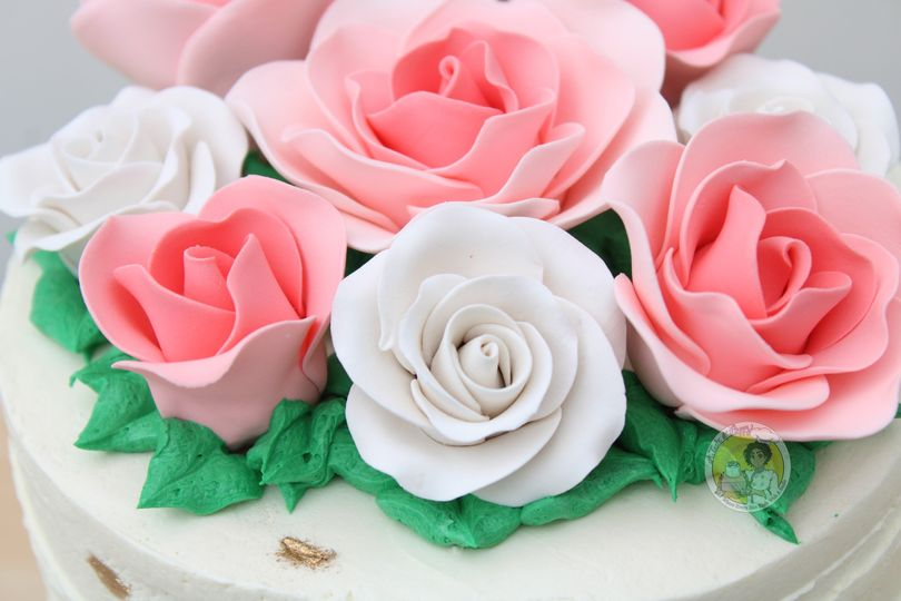 Sugar florals for cake decor