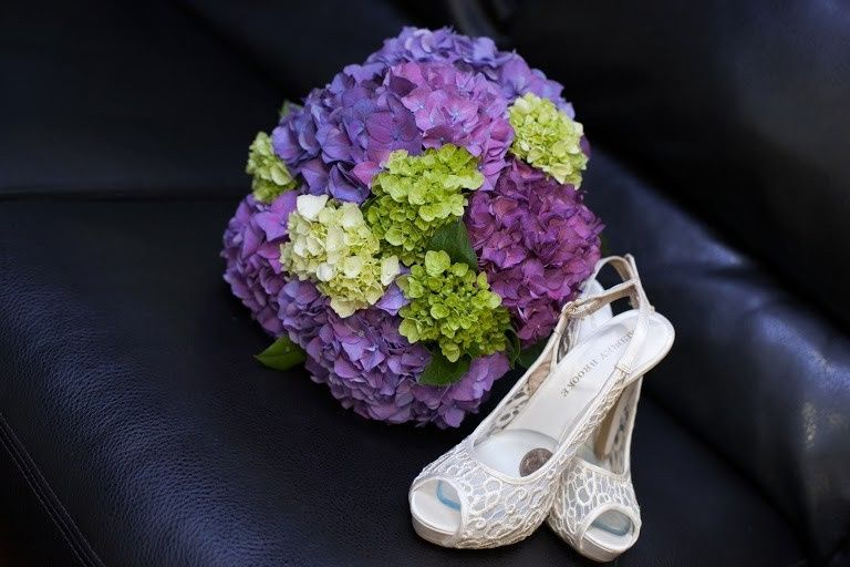 Bouquet and heels