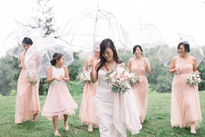 Bride and bridesmaids | Madeleine Collins Photography